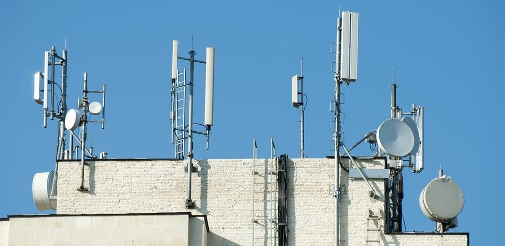 Cell-Tower-Spectrum-Sharing-Deal-1